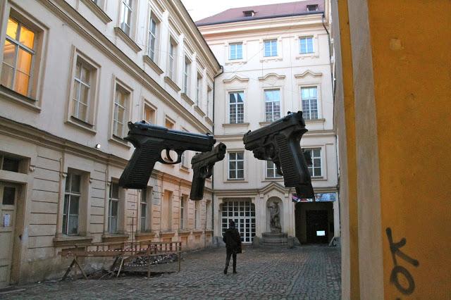 Guns by David Cerny